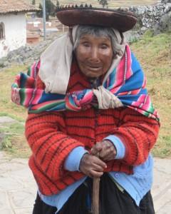 Christian -Vieille quechua à Chinchero (Pérou)