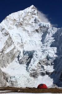Julien - Ma petite tente posee a 5260m face au Nuptse, vallee du Khumbu (Nepal)